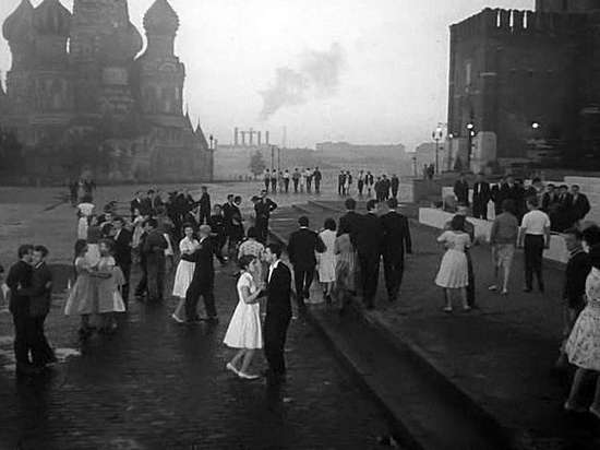 Prom on the red square from the film