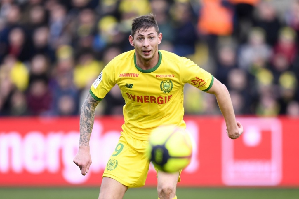 """<h1>He foresaw his death</h1><h2>Football player """"Cardiff City"""" Emiliano Sala  wrote a farewell message from the aircraft</h2>"""