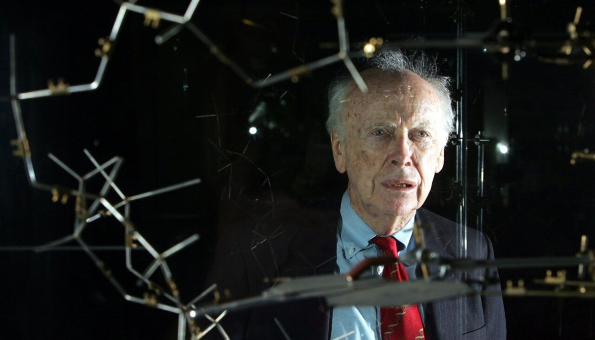 DNA discoverer is exposed in racism againNobel laureate James Watson was deprived of all titles after the film