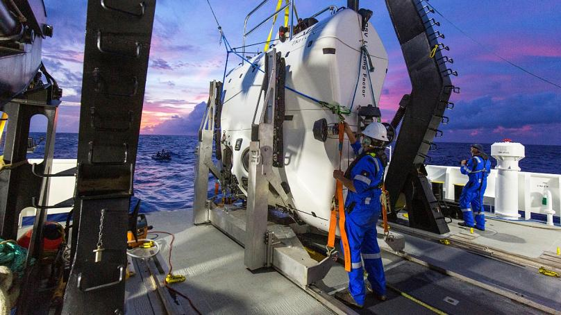 Garbage was at the bottom of the deepest point of the oceanAmerican explorer made a record dive into the Mariana Trench