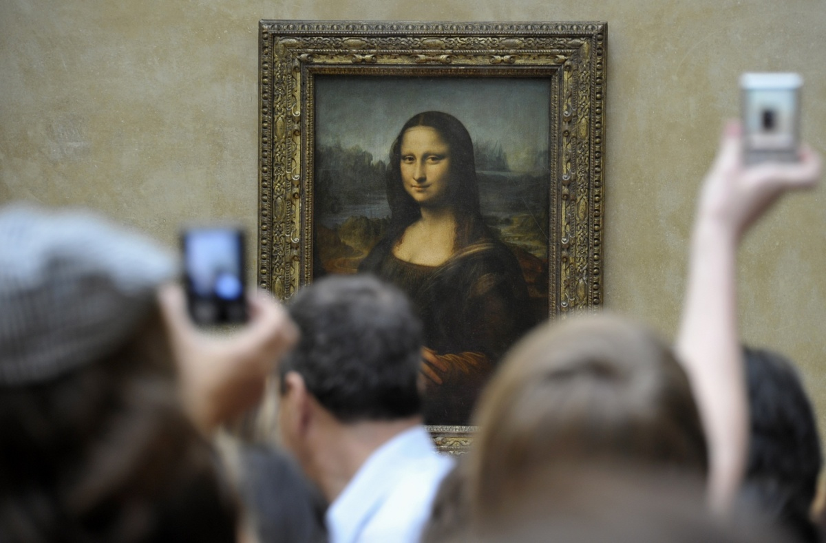 Why didn't Leonardo da Vinci finish the Mona Lisa?Scientists have found the cause of the damage to the artist's hand